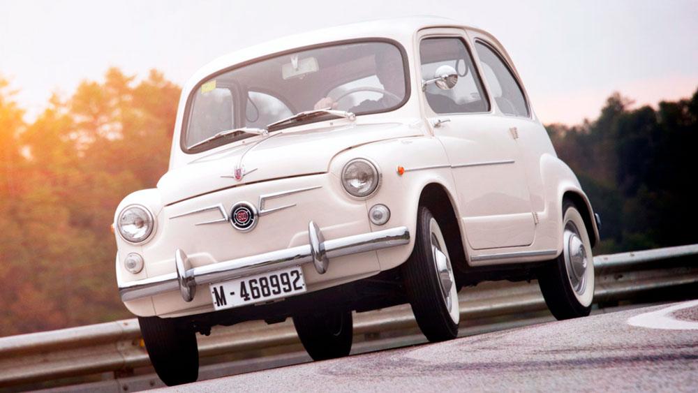 coche clásico seat 600 blanco